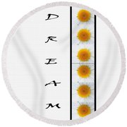 Daisies Dream Round Beach Towel