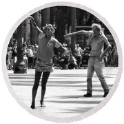 Dancers In Sao Paulo Round Beach Towel