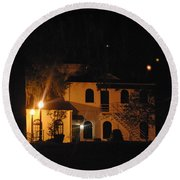 Davenport At Night Round Beach Towel