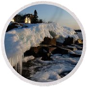 Daybreak At Cove Point Lodge Cottages Round Beach Towel