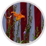 Daylily And Old Glory Round Beach Towel