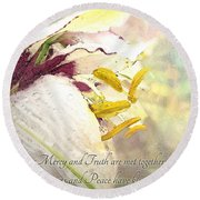 Daylily Photoart With Verse Round Beach Towel
