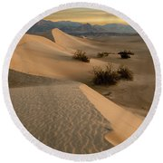 Death Valley Mesquite Flat Sand Dunes Img 0177 Round Beach Towel