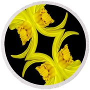 Delightful Daffodil Abstract Round Beach Towel