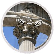 Detailed View Of Corinthian Order Column Round Beach Towel