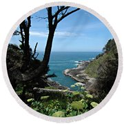 Devil's Churn Oregon Coastline Round Beach Towel