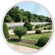 Diane De Poitiers' Gardens Round Beach Towel