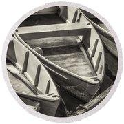 Dinghies Dockside Bw Round Beach Towel