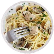 Dish Of Spaghetti With Clams Round Beach Towel