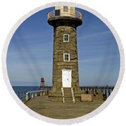 Disused East Pier Lighthouse - Whitby Round Beach Towel