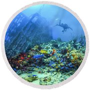 Diver At The Wreck Round Beach Towel
