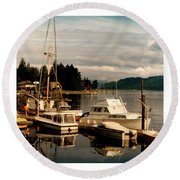 Domino At Alderbrook On Hood Canal Round Beach Towel