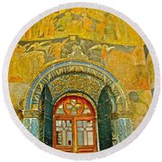 Doorway Entry To Cathedral Of The Archangel Inside Kremlin Walls In Moscow-russia Round Beach Towel