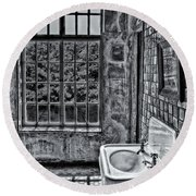 Dormer Bathroom Side View Bw Round Beach Towel