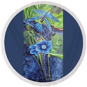 Dragonfly Hunt For Food In The Flowerhead Round Beach Towel
