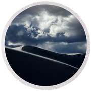 Drama Of The White Sands Round Beach Towel