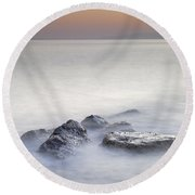 dreaming between the islands I Round Beach Towel