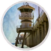 Dreamy Day At Huntington Beach Pier Round Beach Towel