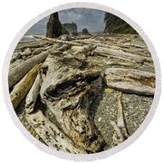 Driftwood And Sea Stacks On Ruby Beach Round Beach Towel