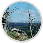 Gnarled Trees And Divide Mountain Round Beach Towel