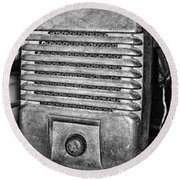 Drive In Movie Speaker In Black And White Round Beach Towel