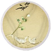 Dropped Flower Round Beach Towel