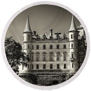 Dunrobin Castle Scotland Round Beach Towel