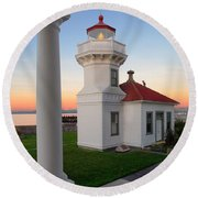 Dusk At Mukilteo Lighhouse Round Beach Towel