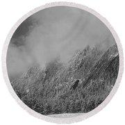 Dusted Flatirons Low Clouds Boulder Colorado Bw Round Beach Towel