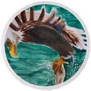 Eagle Fishing Round Beach Towel
