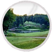 Eagle Knoll - Hole Fourteen From The Tees Round Beach Towel