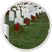 Eagle Point National Cemetery At Christmas Round Beach Towel
