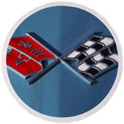Early C3 Corvette Emblem Blue Round Beach Towel
