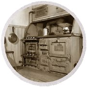 Early Kitchen With A Gas Stove 1920 Round Beach Towel