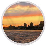 East River At Sunrise Round Beach Towel