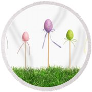Easter Eggs In Grass Round Beach Towel