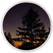 Eclipse In Yosemite Round Beach Towel