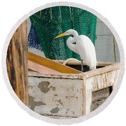 Egret With Fishing Net Round Beach Towel