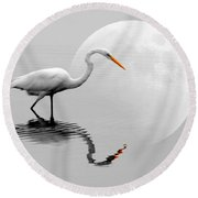 Egret With Moon  Round Beach Towel