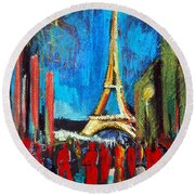Eiffel Tower And The Red Visitors Round Beach Towel