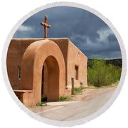 El Santuario De Chimayo Cross Round Beach Towel