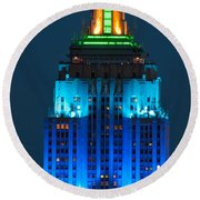Empire State Building Lit Up At Night Round Beach Towel