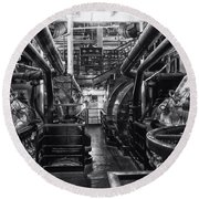 Engine Room Queen Mary 02 Bw 01 Round Beach Towel