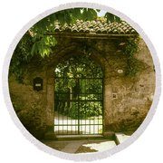 Entrance To Romeo And Juliet House Round Beach Towel