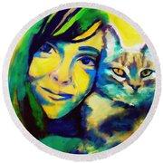 Evangelina And The Cat Round Beach Towel
