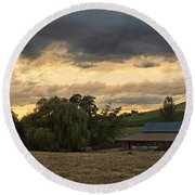 Evening Farm Scene Near Ashland Round Beach Towel