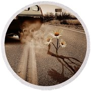 Exhausting Pipe Flowers Round Beach Towel