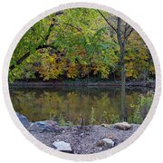 Fall Along The Scioto River Round Beach Towel