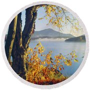 Fall Colors Frame Whiteface Mountain Round Beach Towel