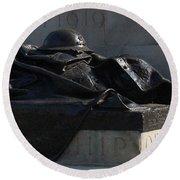Fallen Artilleryman Round Beach Towel